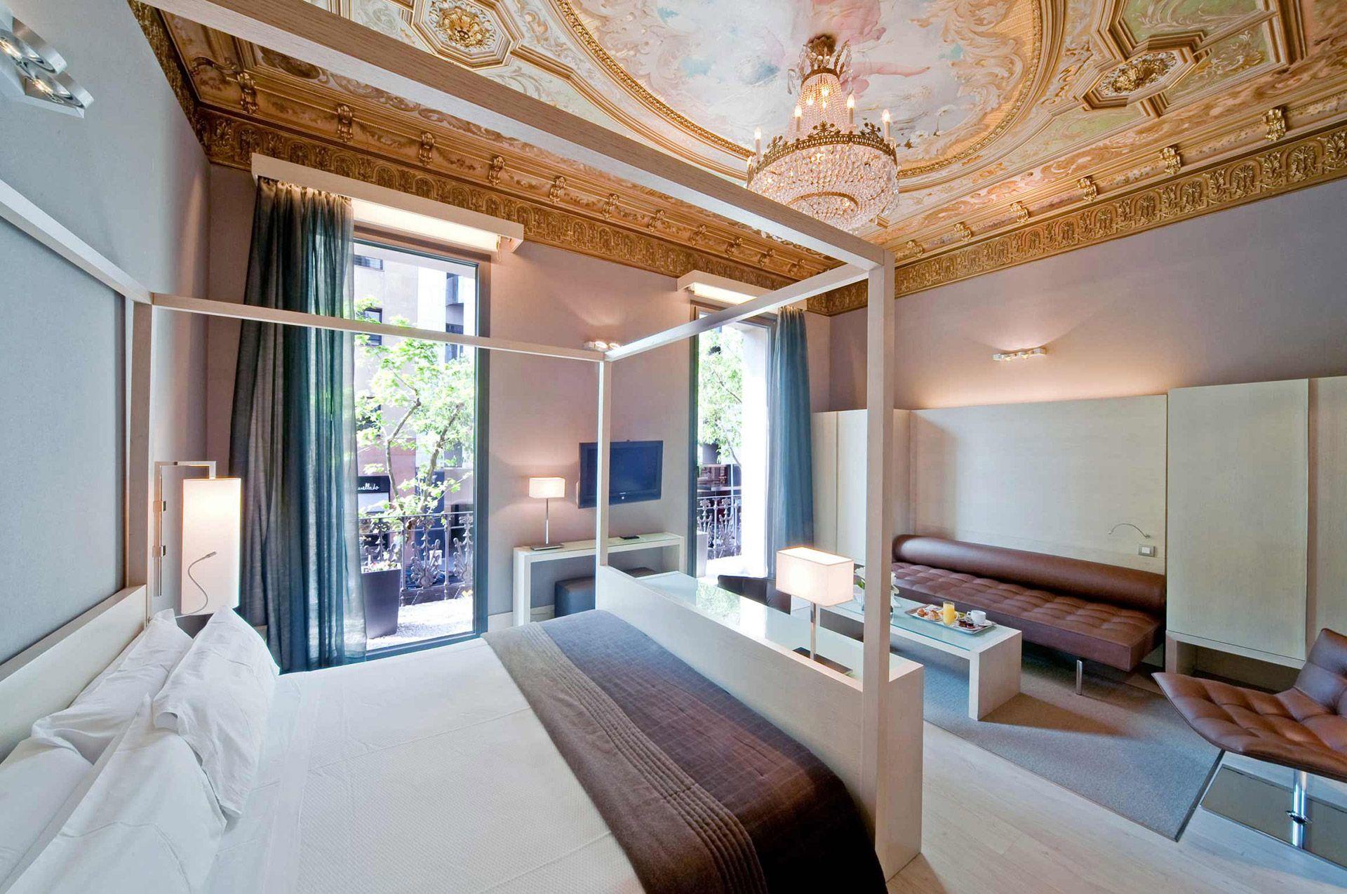 Junior suite in barcelona hotel actual barcelona for Hoteles con encanto bcn