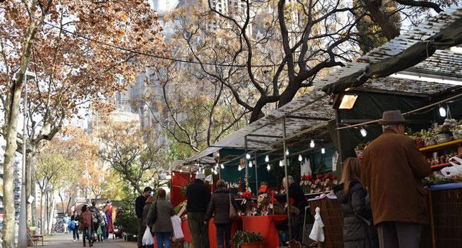 Mercadillo navideño Sagrada Familia Barcelona